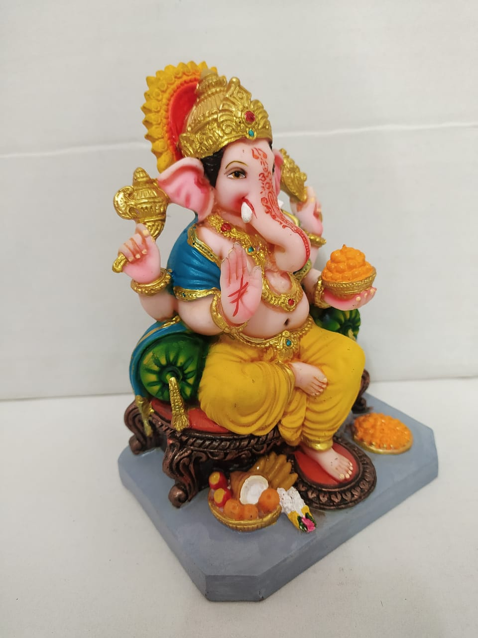 Buy Aashirwaad Ganesha on Simhasan royal look  (MT13) Online