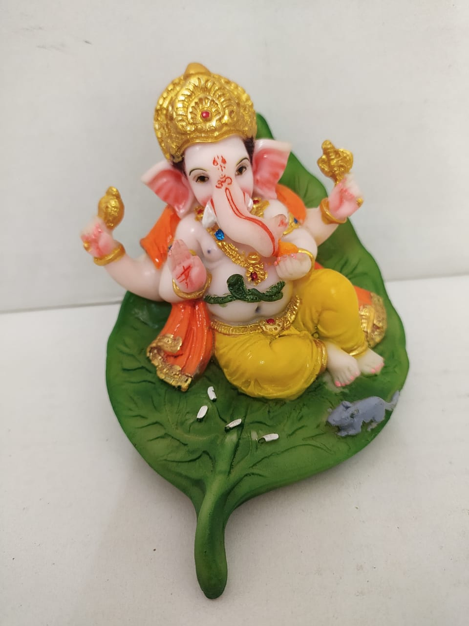 Aashirwaad Ganesha on Beetel Leaf Ganesha (MT15)