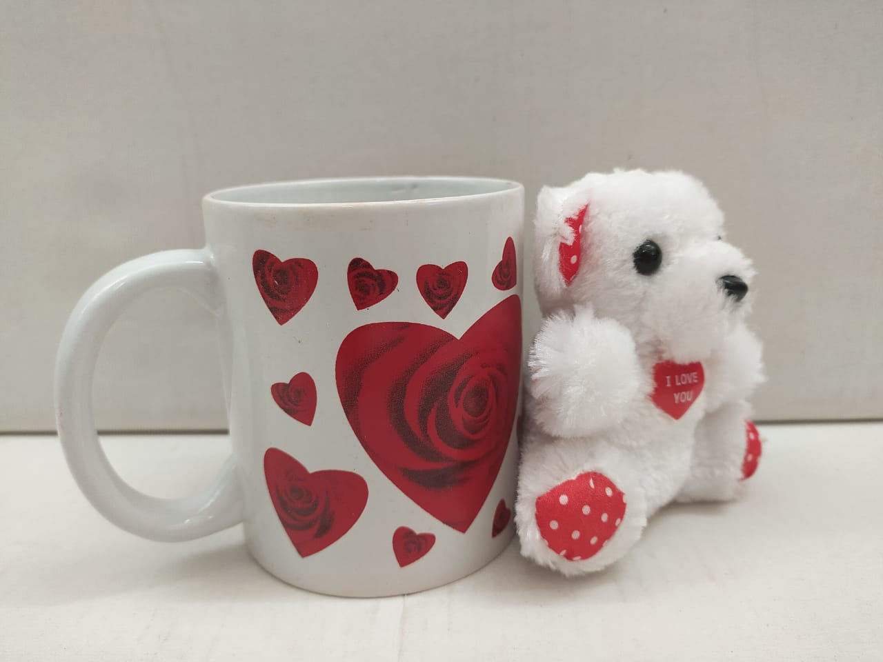 Buy Mug With Heart Roses With Teddy Soft Toy (NY51) Online