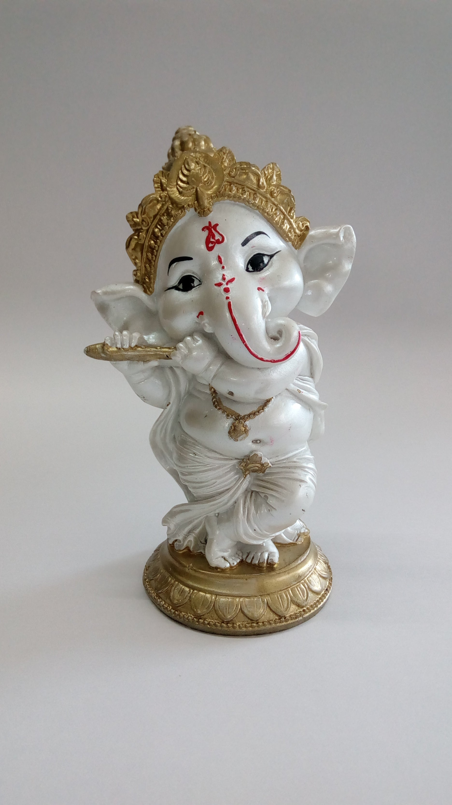 Playing Flute Ganesha Idol SP0220