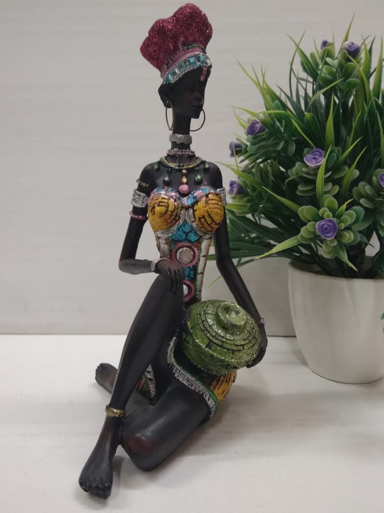 African lady showpiece SPA0079