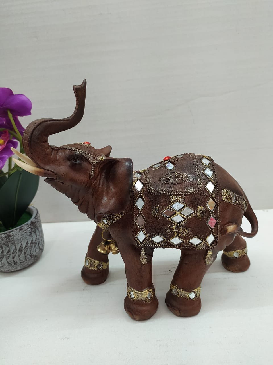 Buy Beautifully crafted elephant showpiece DLM13 Online