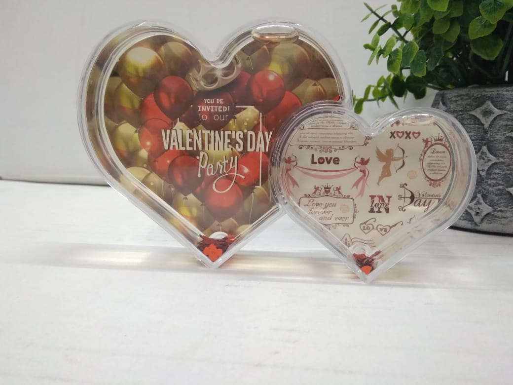 Heart shape photo frame for the couple SCS30
