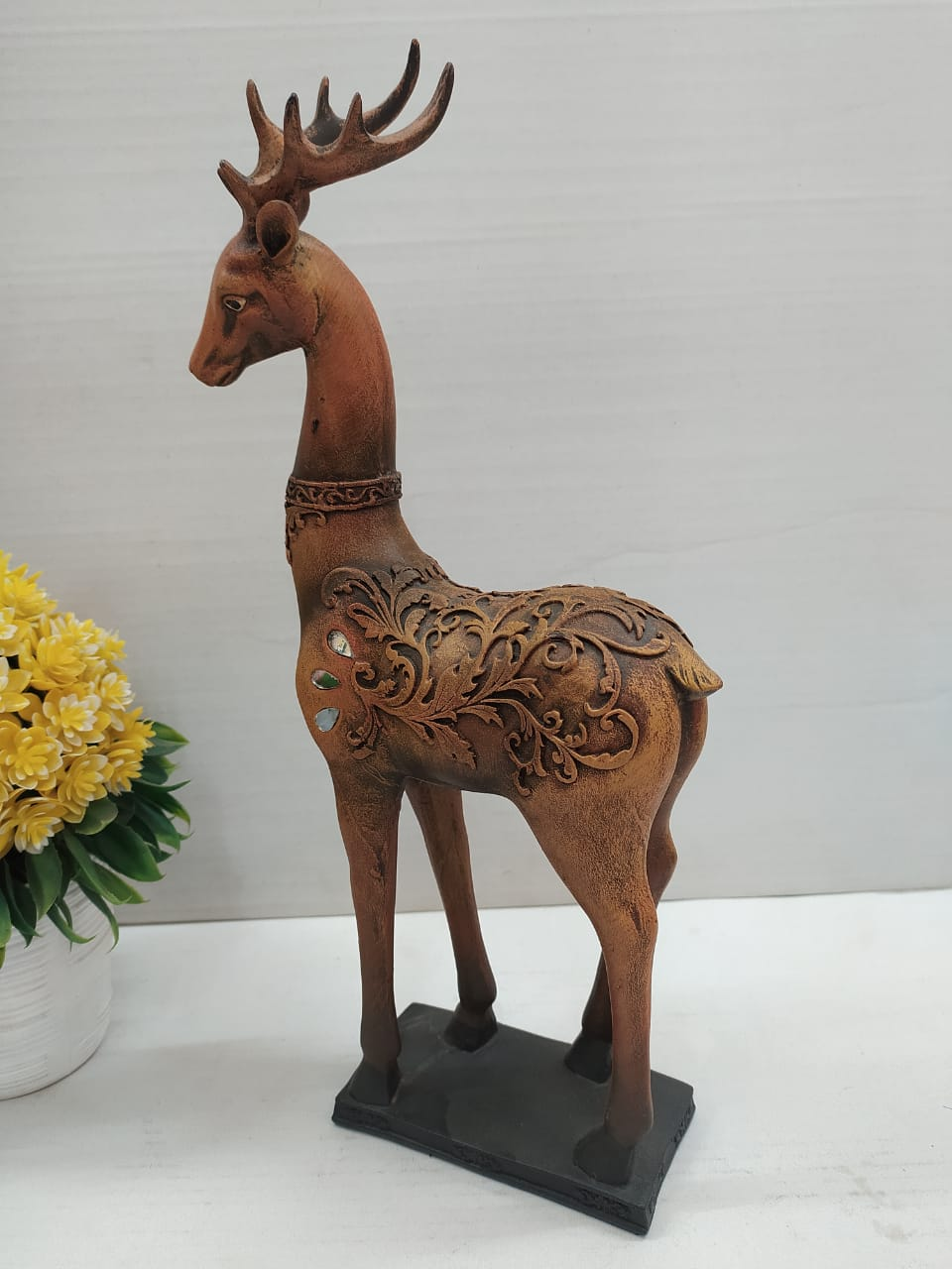 Buy Beautifully curvy designed Deer with big horns SE0123Online
