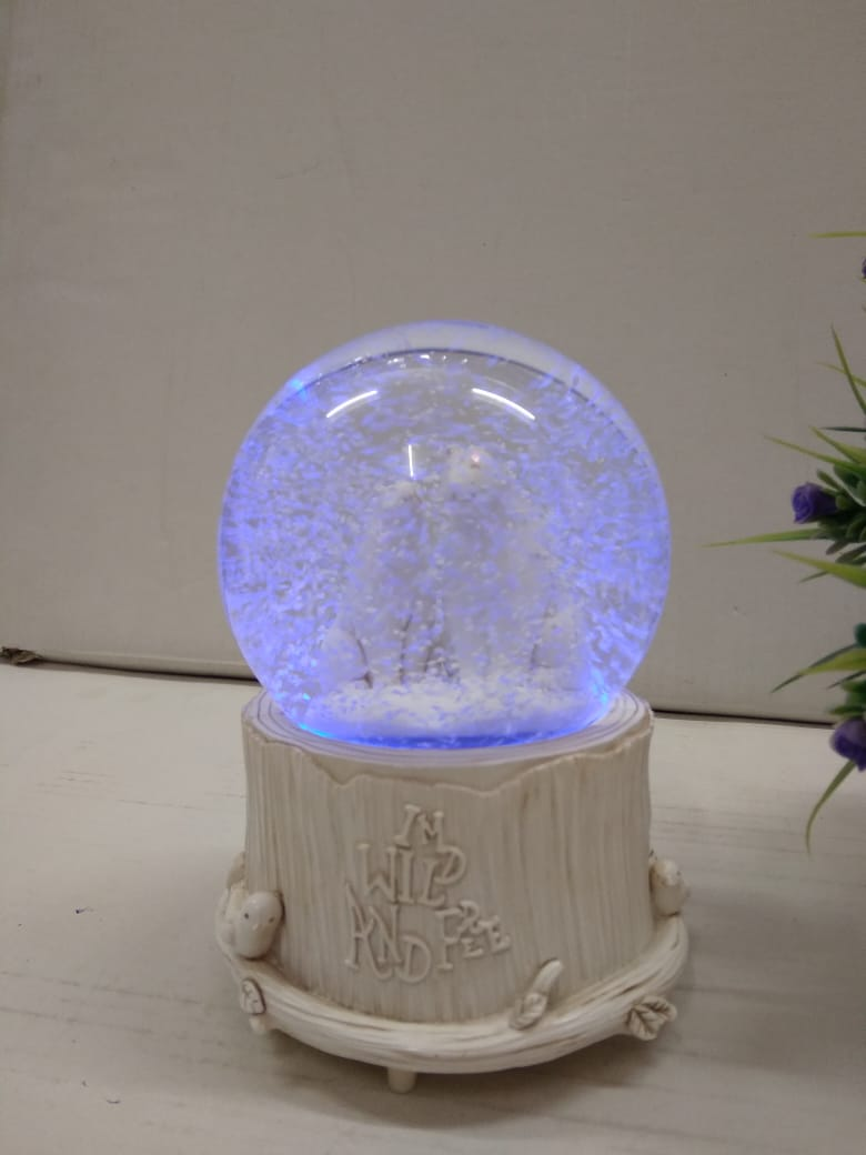 Lovely couple bears in snow ball with multi colour LED lighting  DLM64