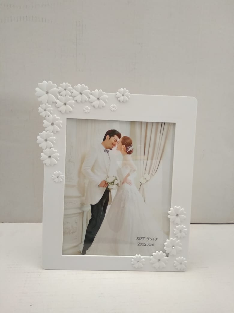 Buy Beautiful fancy Photo frame with floral design   NY 70Online