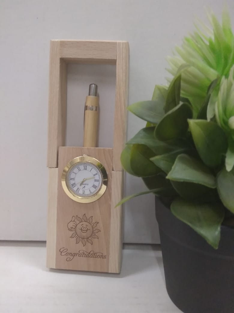 Desktop wooden pen stand with pen and clock   AK71