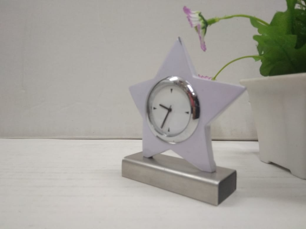 Buy Star shapes table clock DC111  Online