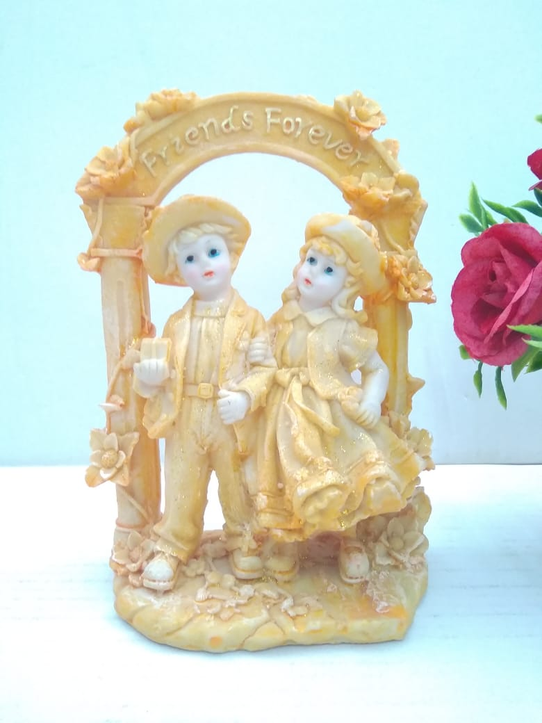 Lovely Boy and Girl showpiece DE335