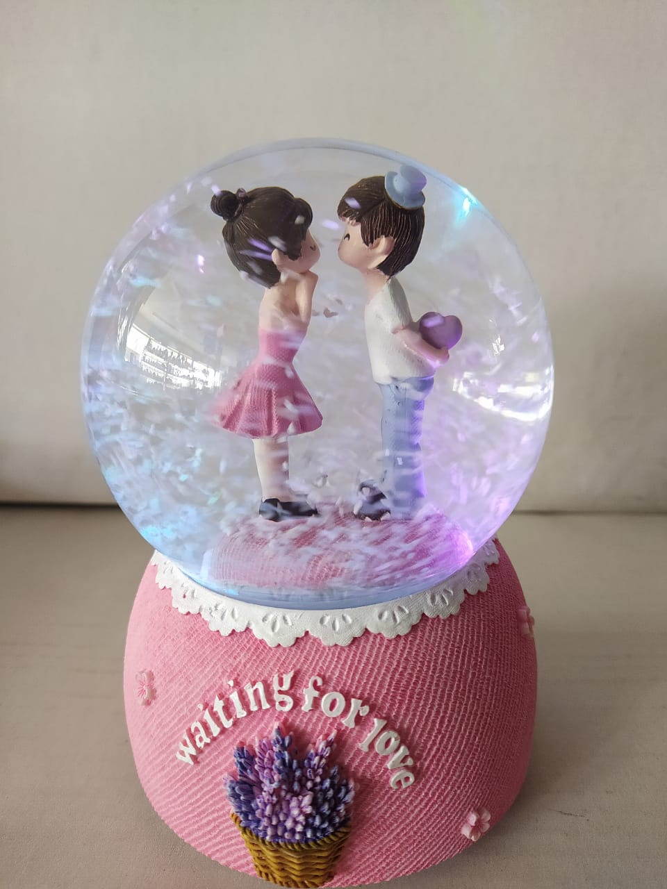 Buy Lovely couple in snow ball with colour changing LED CT212Online