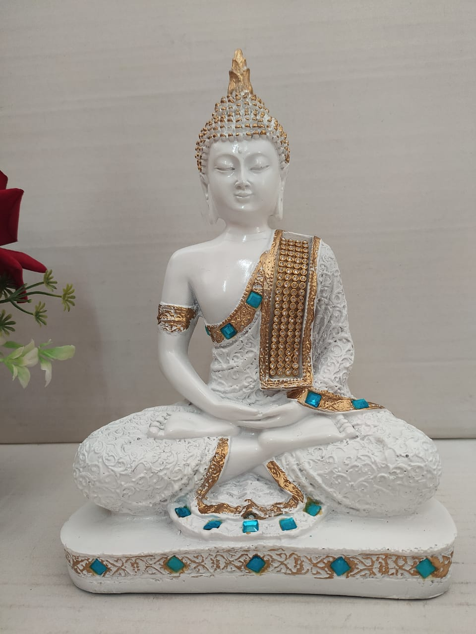 Beautiful charming meditating Budha with stone work  DC158