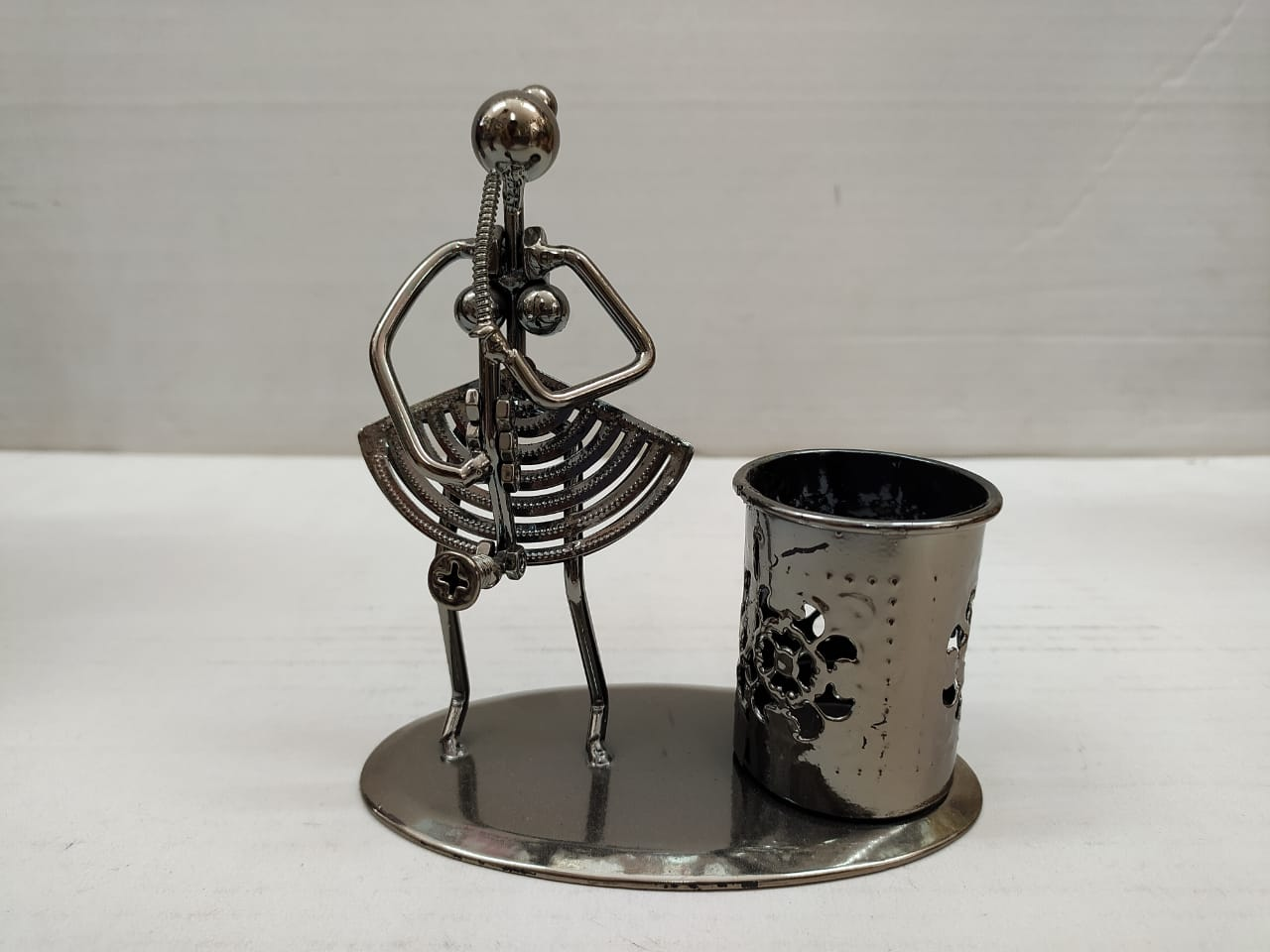 Buy Metallic Lady musician with Pen stand DC115 Online