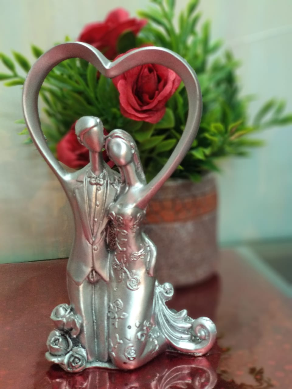 Buy Romantic Couple Statue - AP46 Online
