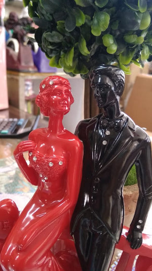Couple Showpiece black and red standing