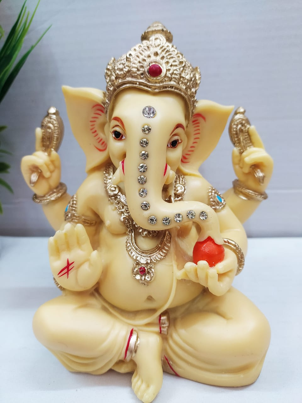 Beautifully Carved Lord Ganesha Idol M8