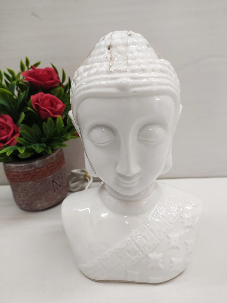Budha face head showpiece with oil diffuser and lighting (2 in 1) Plug-in model DE155