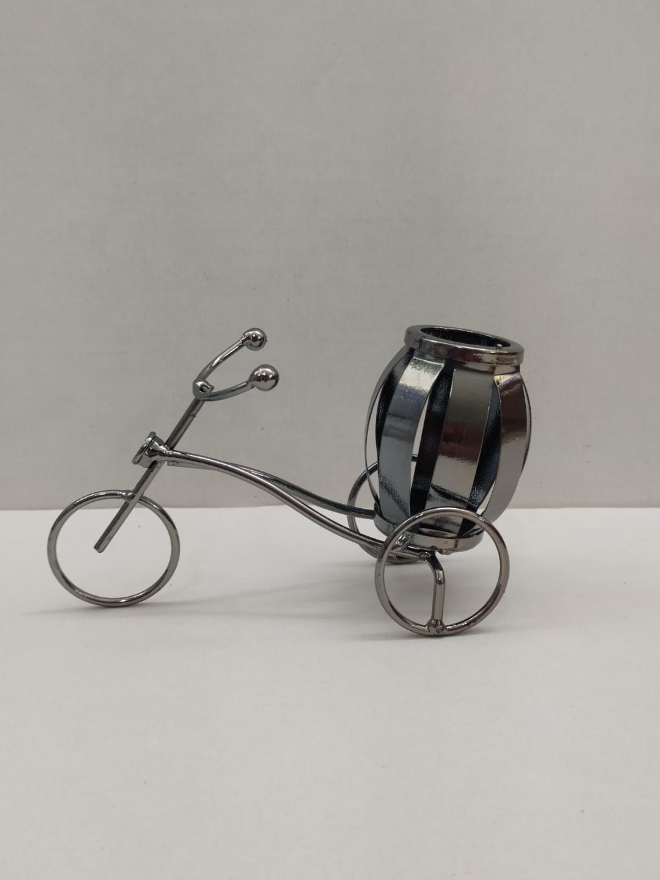 Buy Metal Tricycle Pen Stand (XV3) Online