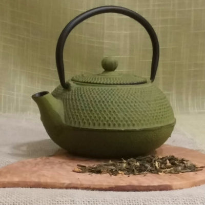 Japanese Style Cast Iron Teapot Hobnail 20 oz - 3 colors - Good Life Tea