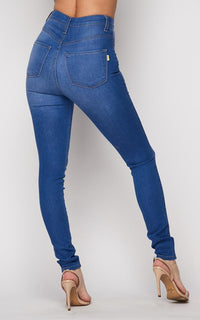 Vibrant Classic Denim Stretchy High Rise in Light Blue Wash