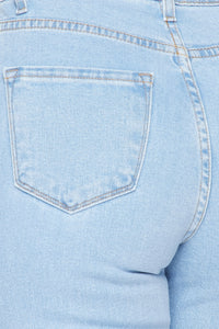 Cut Out Distressed Mom Jeans - Light Wash