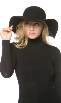 Solid Floppy Hat in Black
