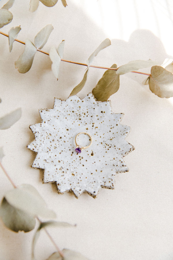 white speckled ring dish (I)