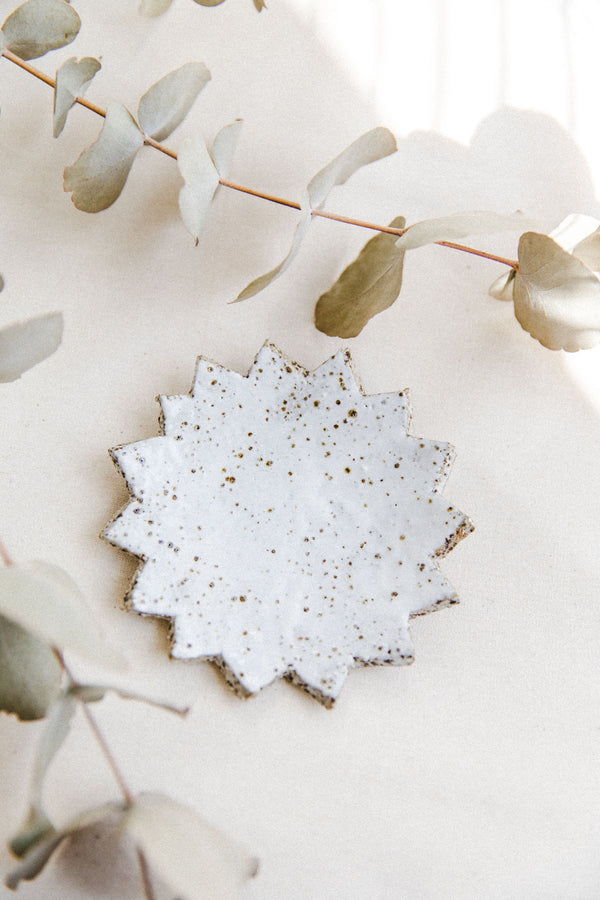 white speckled ring dish (II)