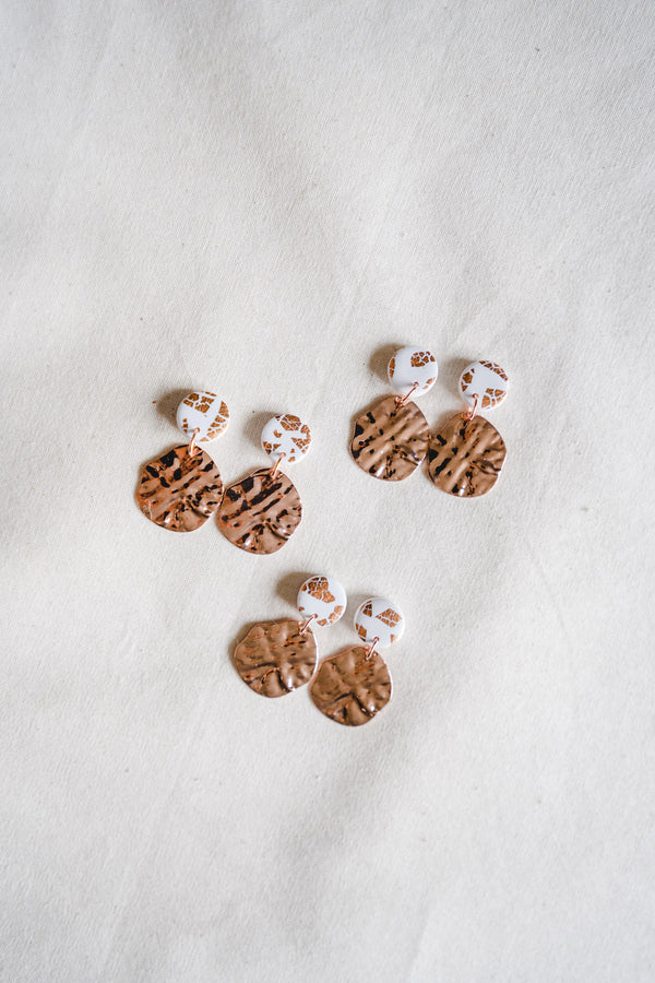 Lulu Small Dangle Earrings (rose gold plated + white)