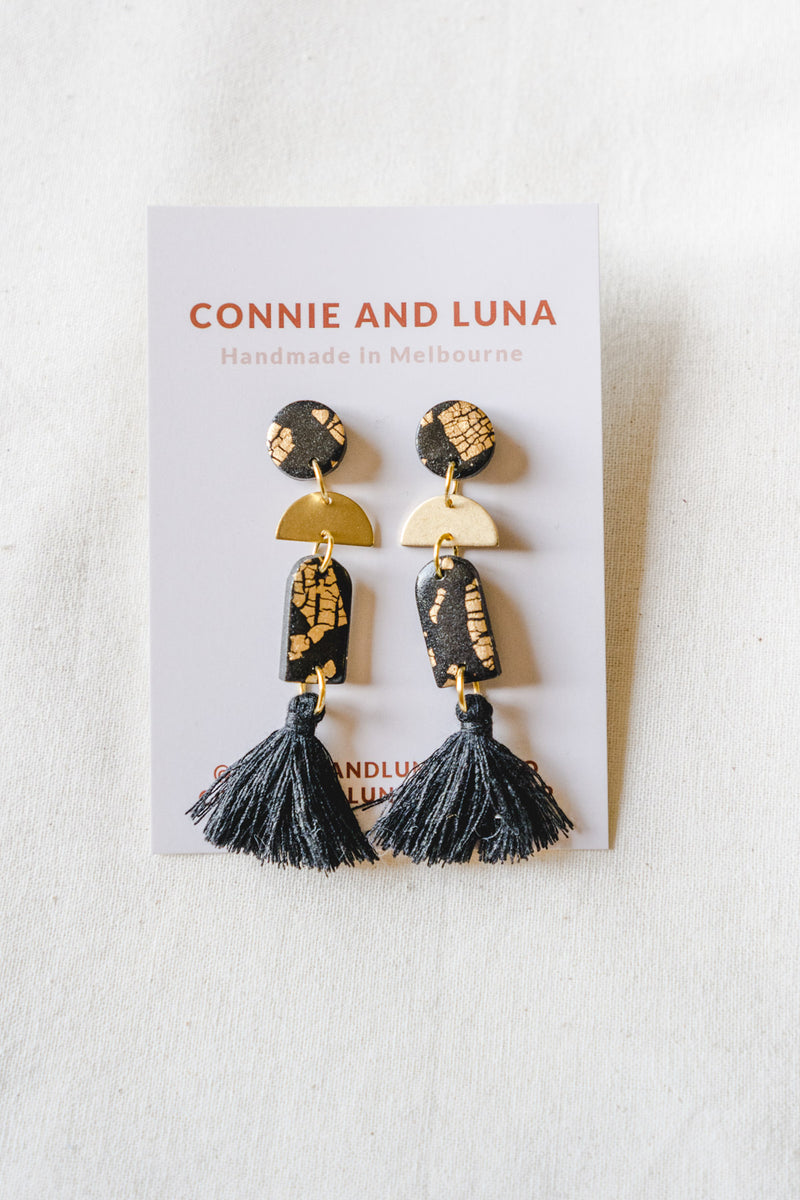 Folk II Medium Tassel Earrings (black)
