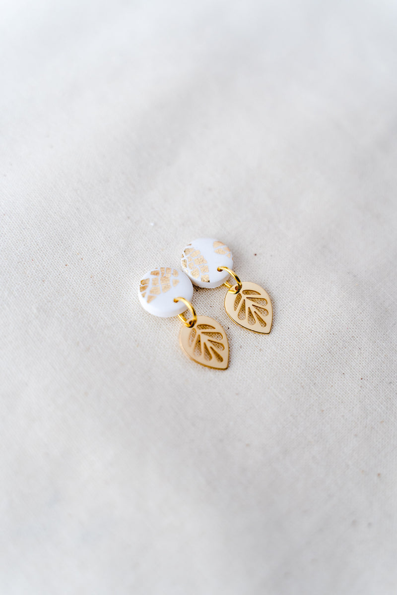 Lily gold small dangle earrings (white)