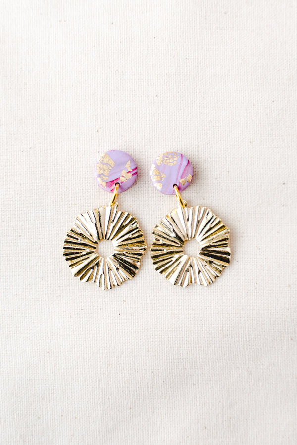 Daisy gold small dangle earrings (lilac watercolour)