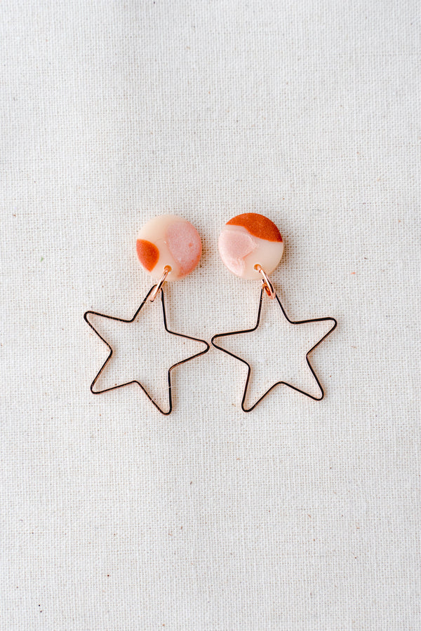 Star burst gold small dangle earrings (terracotta pink)
