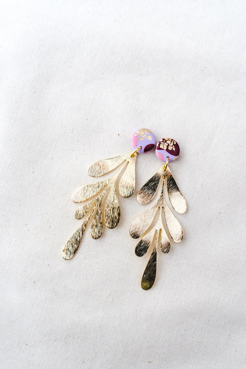 Gold leaf dangle earrings (lilac party)