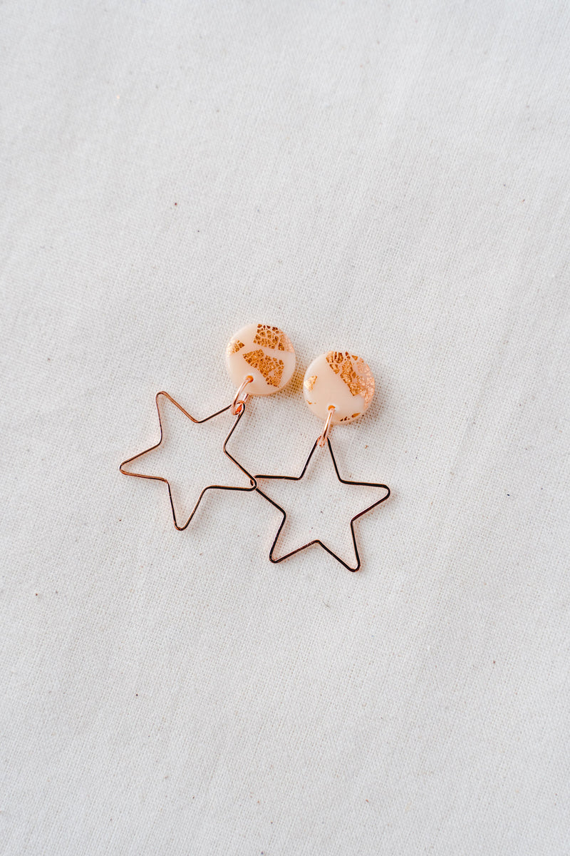 Star burst small dangle earrings (nude peach + rose gold)