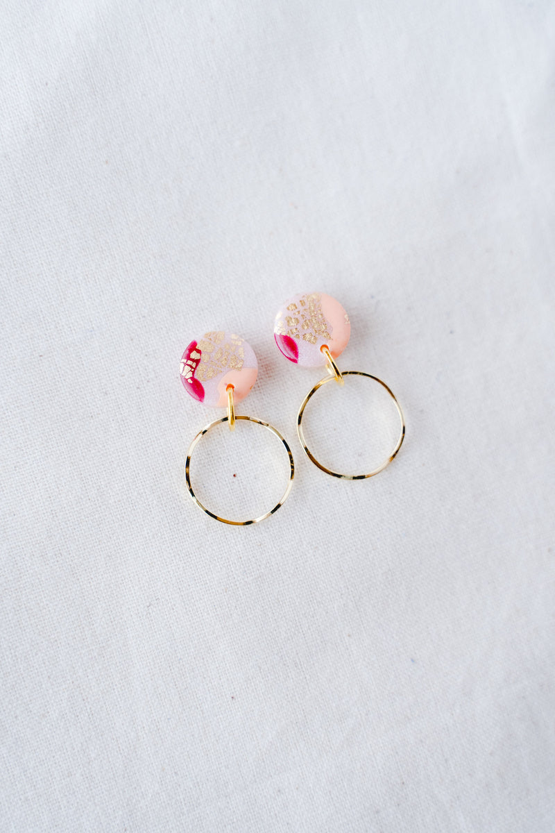Planet gold small dangle earrings (spring pink)