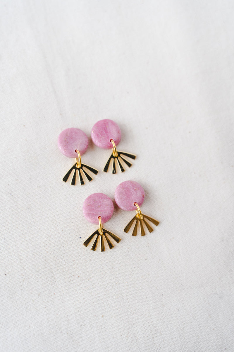 Dreamer small dangle earrings [gold plated] (pink)