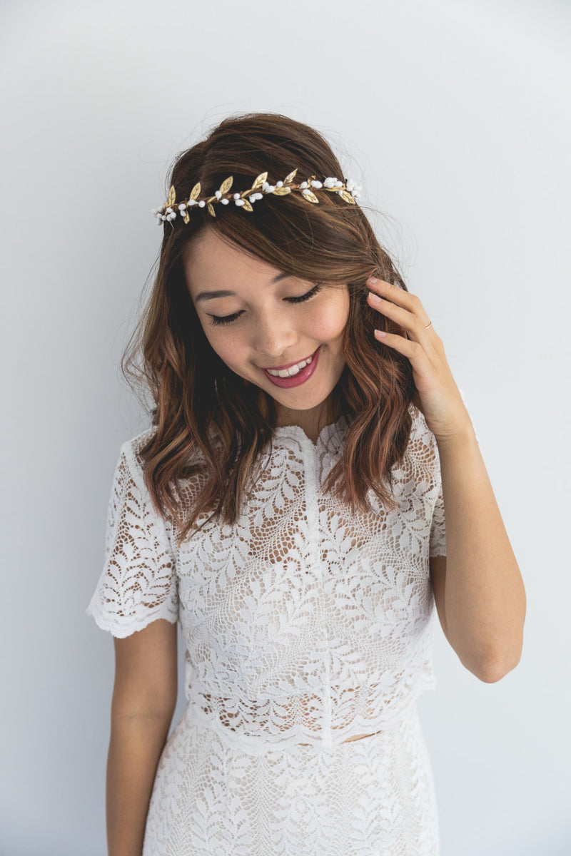 Olive flower crown | white berry & gold leaf