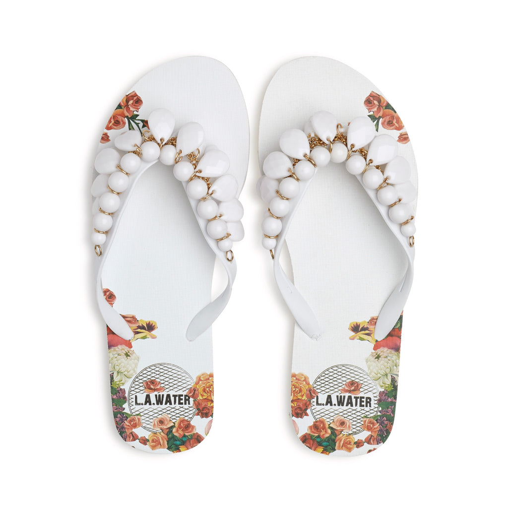 WHITE FLOWERS SLIPPERS