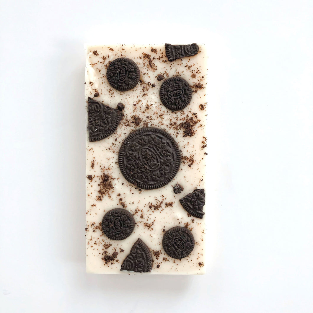 Oreo cookie white chocolate bar