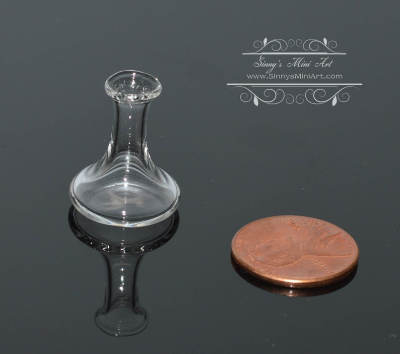 1:12 Dollhouse Miniature Glass Wine Decanter/Miniature Bottle/BD HB145