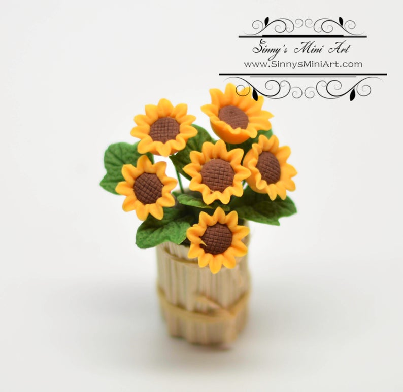1:12 Dollhouse Miniature Sunflowers in Country Planter BD A001