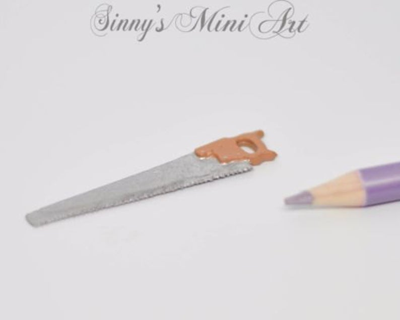 1:12 Dollhouse Miniature Saw Large /Miniature Tools IM 0210