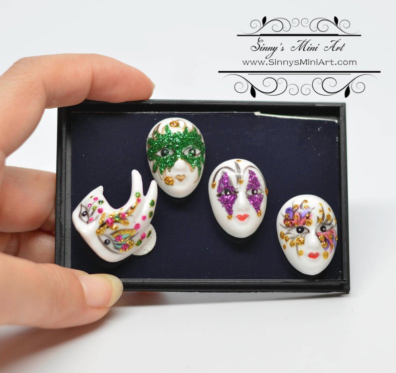 1:12 Dollhouse Miniature Porcelain Mardi Gras Mask Set (4 Pieces) RP 1.605/6