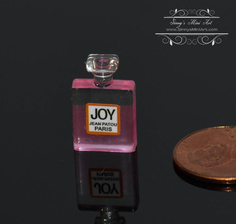 1:12 Dollhouse Miniature Perfume A6