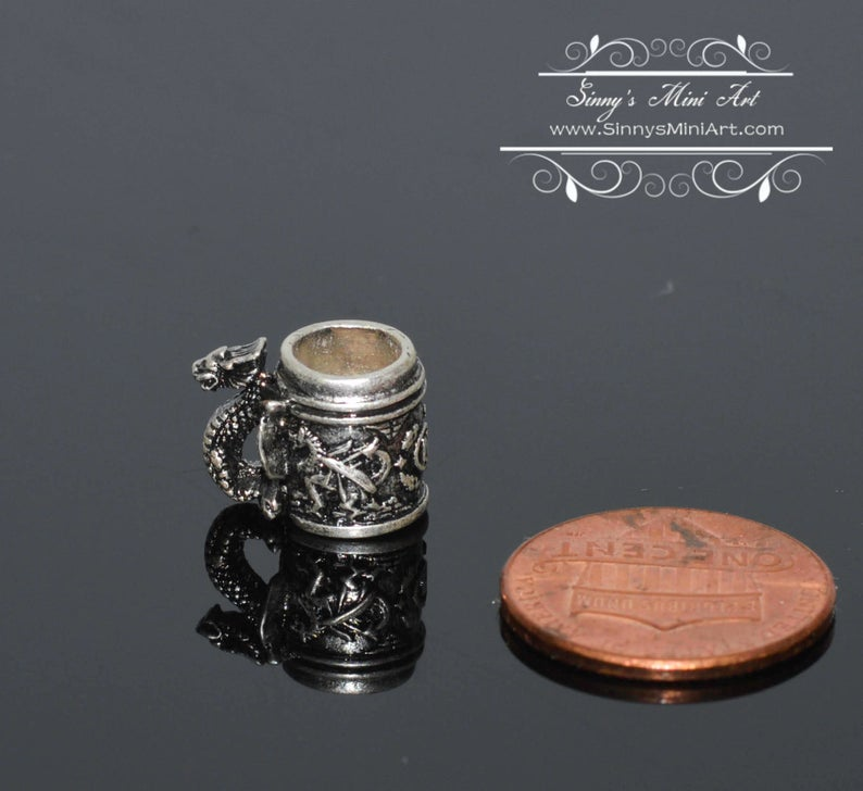 1:12 Dollhouse Miniature Dragon Stein/Miniature Cup BD H069