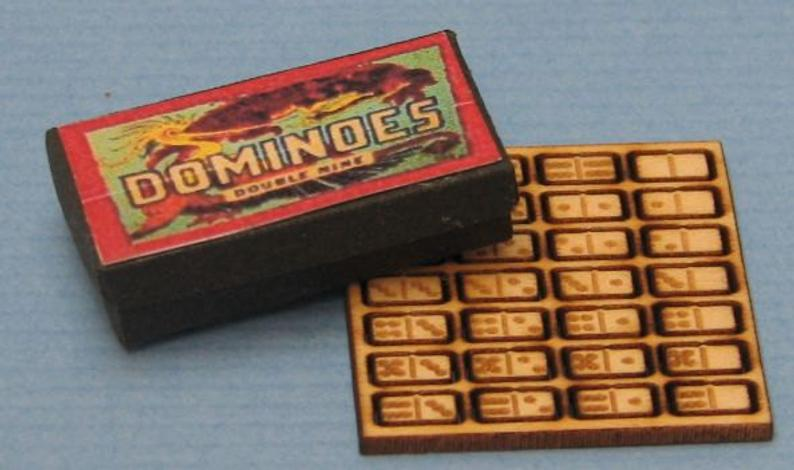1:12 Dollhouse Miniature Dominoes and Box DI TY106