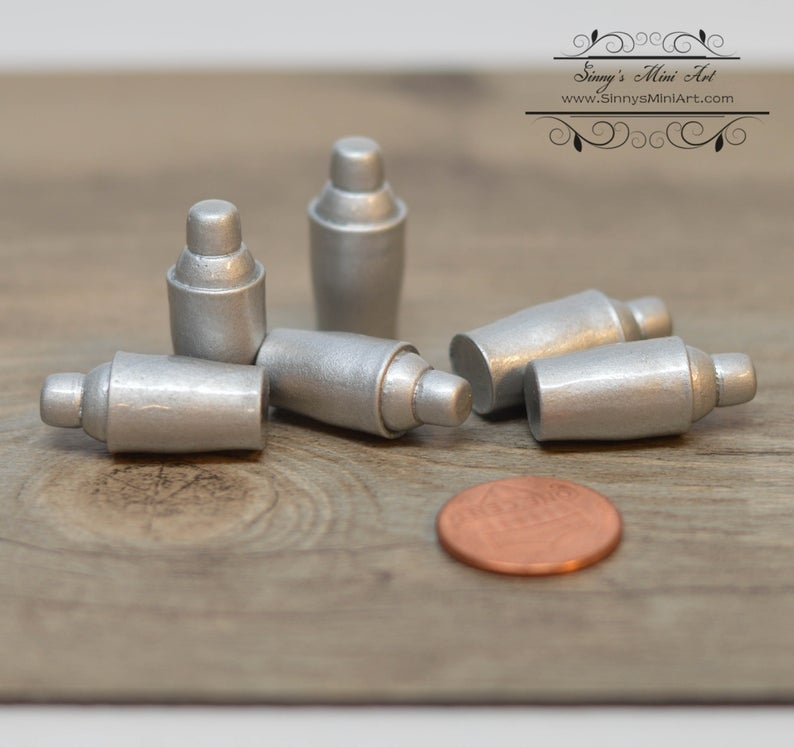 1:6 Dollhouse Miniature Cocktail Mixer/ Miniature Shaker A54