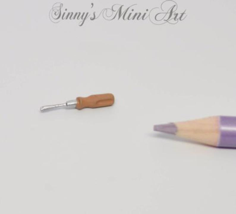 1:12 Dollhouse Miniature Screwdriver, Miniature Tools IM 0123