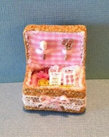 1:12 Dollhouse Miniature Sewing Basket Kit DI FS514