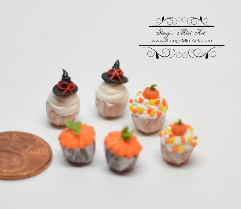 1:12 Dollhouse Miniatures 6 Halloween Cupcakes BD K180